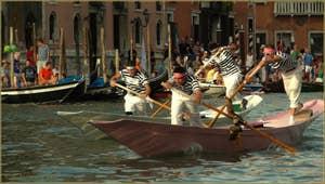 Regata Storica Venise : la course des Pupparini à deux rameurs
