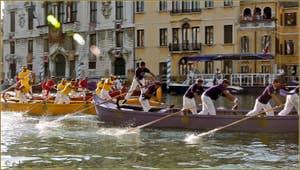 Les Caorline à la Regata Storica, la régate historique de Venise