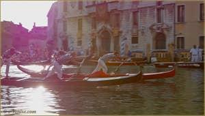 Regata Storica de Venise, la course des Gondolini
