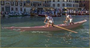 La Regata Storica, la Régate Historique de Venise, régate féminine sur Mascarete,