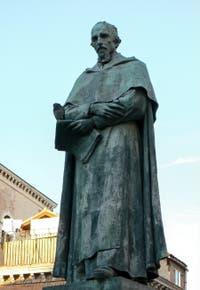 Statue de Pierre Paolo Sarpi sur le Campo de Santa Fosca, dans le sestier du Cannaregio à Venise