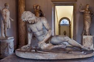 Galate mourant capitolin, statue en marbre, aux musées Capitolins à Rome en Italie