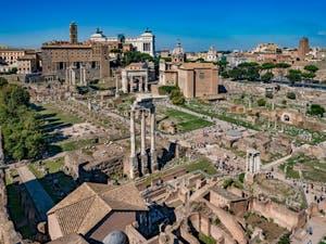 Le Forum Romain vu du mont Palatin à Rome en Italie