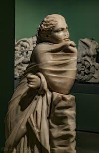 Statue de la Muse Polymnie par Poliskos de Rodhes IIe siècle avant J.-C. au musée Centrale Montemartini à Rome en Italie