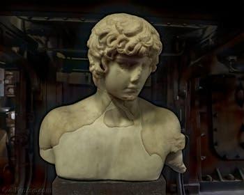 Statue en marbre d'Antinoüs, 130-138 après J.-C. au musée Centrale Montemartini à Rome en Italie