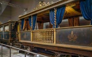 Le train du pape Pie IX au musée Centrale Montemartini à Rome en Italie