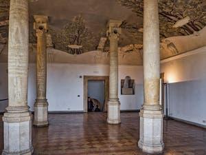 La Salle des Colonnes, fresques de Duilio Cambellotti Château Saint-Ange, le Castel Sant'Angelo à Rome