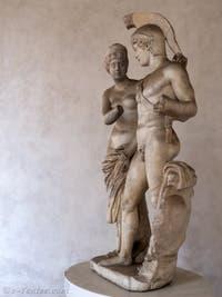 Sculpture antique dans le petit cloître Ludovisi du musée des Thermes de Dioclétien à Rome en Italie