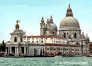 La Dogana da Mar et l'église de la Salute à la pointe du Dorsoduro à Venise