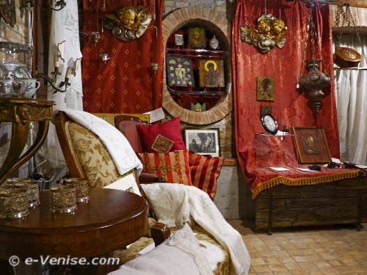 Antichità al Ghetto magasin d'antiquités à Venise