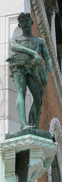 Statue de Saint Pierre par Cesare Laurenti