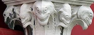 sculpture de chapiteau à la Pescheria