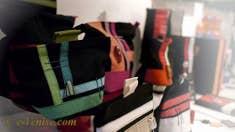Sacs et pochettes en soie, lin et coton de Lauretta Vistosi à Venise