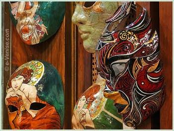 Les Masques de Carnaval artistiques de chez Schegge à Venise