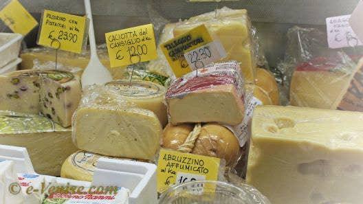 fromages charcuteries Roberto et Morena à Venise