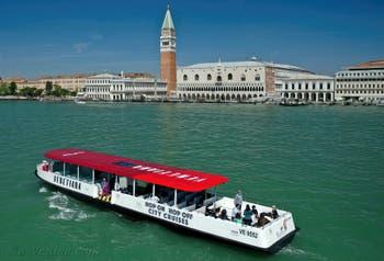 Bateau Hop-On Hop-Off pour Visiter Venise et sa Lagune