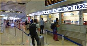 Guichet pour l'achat des billets de transports bus et bateaux à l'aéroport Marco Polo de Venise.